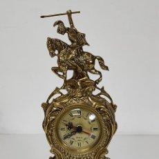 Relojes automáticos: RELOJ DE SOBREMESA - BRONCE CINCELADO - QUARTZ - ALTURA 40 CM. Lote 288659288