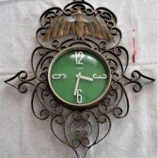 Relojes automáticos: ESPECTACULAR RELOJ EN FORJA TAMAÑO 71 X 58 CM FUNCIONANDO MARCA TWINS MOTIVO MURCIÉLAGO VALENCIA. Lote 289466518