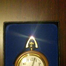 Relojes de bolsillo: RELOJ DE BOLSILLO EN METAL PLATEADO. DE CUERDA MANUAL. 6 CM LARGO . 4 CM DIÁMETRO. Lote 87635106