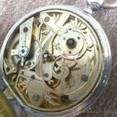 Relojes de bolsillo: CA 1870 58MM GRAN TAMAÑO, RELOJ DE PLATA TRES TAPAS, CON MOVIMIENTO LABRADO Y ORIGINAL MOTIVO GRABA. Lote 36164012