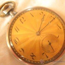 Relojes de bolsillo: PRECIOSO RELOJ DE BOLSILLO SUIZO CON CANTO MONEDA Y ESFERA DORADA, DATA DE 1900, FUNCIONANDO. Lote 37344397
