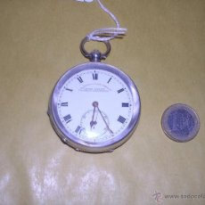 Relojes de bolsillo: ANTIGUO RELOJ SEMI - CATALINO DE PLATA CON LLAVE , FUNCIONANDO ESFERA DE PORCELA , . Lote 39502839