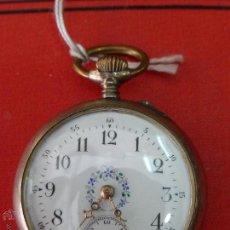 Relojes de bolsillo: ANTIGUO RELOJ DE BOLSILLO MARCA REMONTOIR CYLINDRE 10 RUBÍES EN PLATA DORADA Y GRABADA - FUNCIONANDO. Lote 43672989