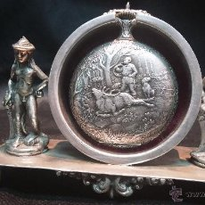 Relojes de bolsillo: PRECIOSO RELOJ DE BOLSILLO, CON ESCENA DE CAZA, EN SU RELOJERA DE PLATA MACIZA. Lote 45648775