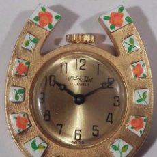 Relojes de bolsillo: MENTOR RELOJ COLGANTE FORMA DE HERRADURA (SWISS MADE). Lote 48510615