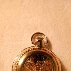 Relojes de bolsillo: RELOJ DE BOLSILLO DELUXE QUARTZ EN METAL PLATEADO GRABADO POR AMBOS LADOS, MED. 7X5 CAJA. Lote 56529580