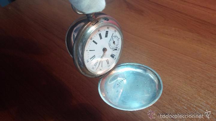 Relojes de bolsillo: Bello conjunto del siglo XIX formado por un reloj de tirete, leontina y su relojera de plata maciza - Foto 67 - 49055502