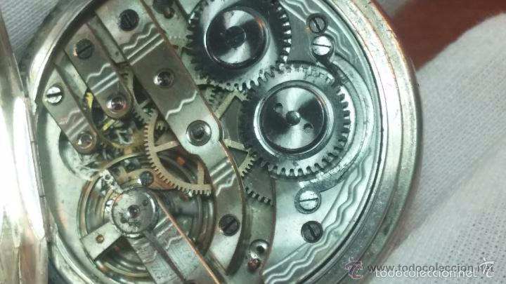 Relojes de bolsillo: Bello conjunto del siglo XIX formado por un reloj de tirete, leontina y su relojera de plata maciza - Foto 80 - 49055502