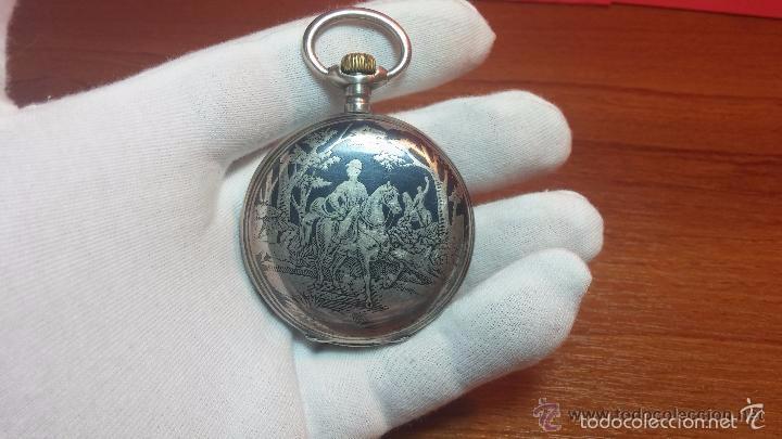 Relojes de bolsillo: Bello conjunto del siglo XIX formado por un reloj de tirete, leontina y su relojera de plata maciza - Foto 123 - 49055502
