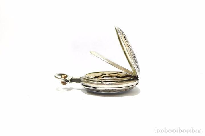 Relojes de bolsillo: Antiguo y pequeño reloj de bolsillo de mujer en plata cincelada esfera de porcelana - Finales S.XIX - Foto 5 - 65791426