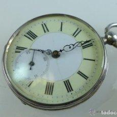 Relojes de bolsillo: BONITO RELOJ DE BOLSILLO SUIZO COMPLETO DE PLATA LABRADA, DE CUERDA A LLAVE, DATA DE 1870, FUNCIONA,. Lote 72110023