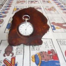 Relojes de bolsillo: RELOJERA ,PORTA RELOJ DE BOLSILLO DE MADERA. Lote 133864069