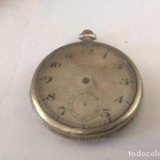 Relojes de bolsillo: RELOJ DE PLATA 50 MM,NO FUNCIONA FALTAN AGUJAS Y EL CRISTAL ESTA ENTERO,PERO SUCIO GRABADO NOMBRES. Lote 85051492