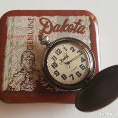 Relojes de bolsillo: RELOJ DE BOLSILLO DAKOTA PLATEADO EN SU CAJA METALICA. Lote 86712964