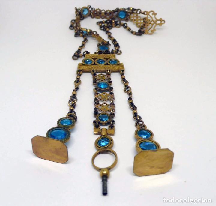 Relojes de bolsillo: Leontina Chatelaine cadena reloj de bolsillo de mujer metal dorado y cristal tallado con llave-S.XIX - Foto 4 - 96232451