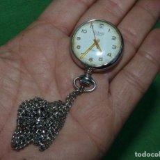 Relojes de bolsillo: CURIOSO RELOJ ENFERMERA TITAN CALIBRE FHF 96-4 CARGA MANUAL 17 RUBIS FECHA Y CADENA VINTAGE AÑOS 60. Lote 108273387