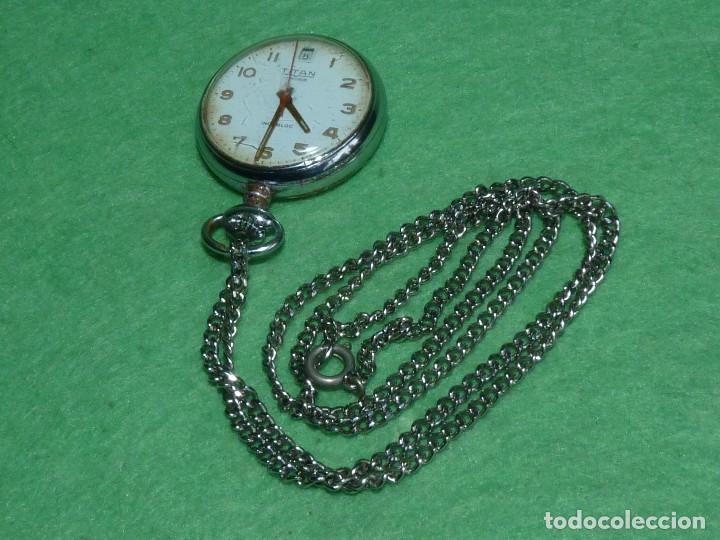 Relojes de bolsillo: Curioso reloj enfermera TITAN calibre FHF 96-4 carga manual 17 rubis fecha y cadena vintage años 60 - Foto 3 - 108273387