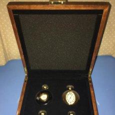 Relojes de bolsillo: COLECCION 4 RELOJES DE BOLSILLO RAREZAS DE EPOCA II CON CAJA EXPOSITORA. Lote 111593551