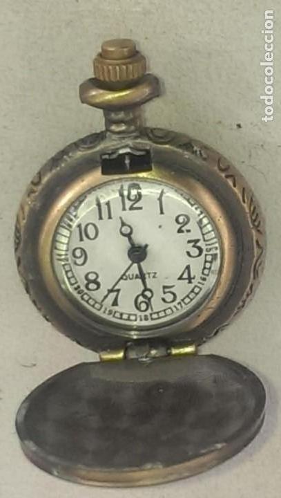 Relojes de bolsillo: reloj se bolsillo clasico con apertura y tapa en metal grabado pieza coleccion - Foto 4 - 112966383