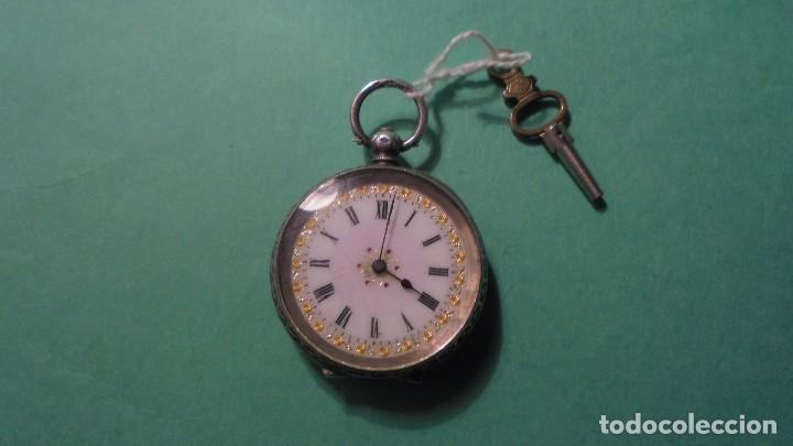 ANTIGUO RELOJ DE PLATA , CAJA CINCELADA DE LLAVE , FUNCIONANDO ESFERA DE ESMALTE PERFECTA (Relojes - Bolsillo Carga Manual)