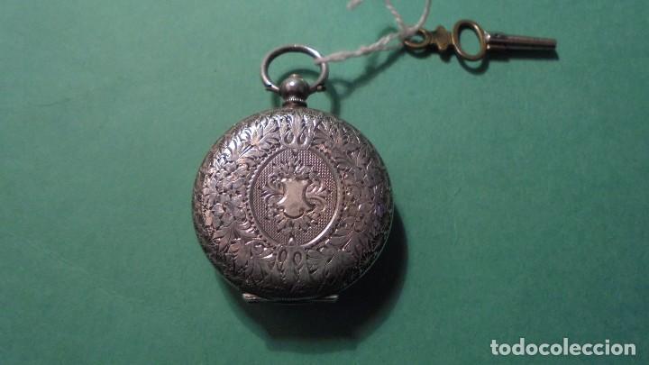 Relojes de bolsillo: ANTIGUO RELOJ DE PLATA , CAJA CINCELADA DE LLAVE , FUNCIONANDO ESFERA DE ESMALTE PERFECTA - Foto 2 - 117045399