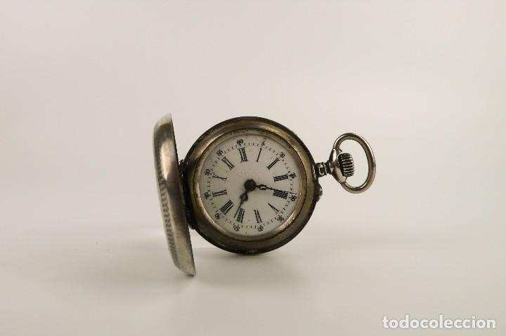comprar online zapatillas de skate disfrute del envío de cortesía Reloj de bolsillo de plata para mujer de carga manual -finales S.XIX-  funcionando