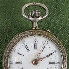 Relojes de bolsillo: RELOJ DE BOLSILLO. COLGANTE. CAJA DE PLATA LABRADA. TIPO LEPINE. SIGLO XIX-XX. . Lote 119943883