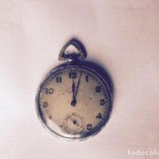 Relojes de bolsillo: RELOJ CROMO NIQUEL , LE FALTA CORONA DE CUERDA,EL RESTO PARECE ENTERO,46 MM BONITAS FILIGRANAS ADORN. Lote 130397042