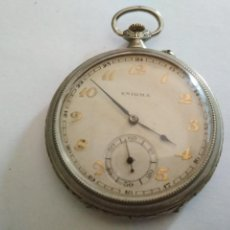 Relojes de bolsillo: ANTIGUO RELOJ BOLSILLO DE ACERO, ENIGMA, 48 MM, BREVETS, CORONA DECORADA, ESTA FUNCIONANDO. Lote 133406030