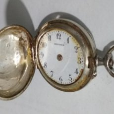 Relojes de bolsillo: RELOJ DE BOLSILLO CAJA LABRADA, MEDIDA 30 MM, NO FUNCIONA, PLATA. Lote 135027698