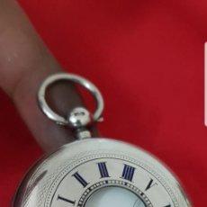 Relojes de bolsillo: RELOJ BOLSILLO WALTHAM DE LLAVE DE CAZADOR DE PLATA LABRADA CONTRASTADA CASI A ESTRENAR FUNCIONA. Lote 141961185