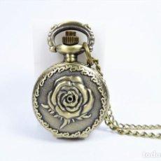 Relojes de bolsillo: RELOJ DE BOLSILLO Y COLGANTE EN BRONCE ANTIGUO CON CADENA. Lote 142296038