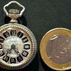 Relojes de bolsillo: ANTIGUO RELOJ DE BOLSILLO MINIATURA DE OJAL CARGA MANUAL MARCA FERSAY SUIZA 7 RUBIS. Lote 114607279