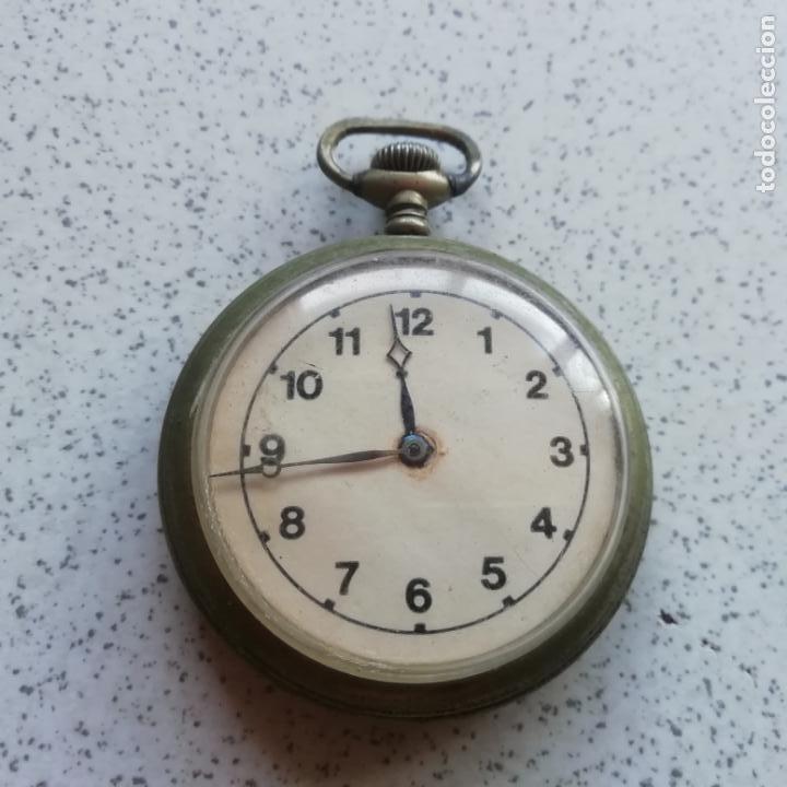 ANTIGUO RELOJ DE BOLSILO. NO FUNCIONA, PARA PIEZAS (Relojes - Bolsillo Carga Manual)