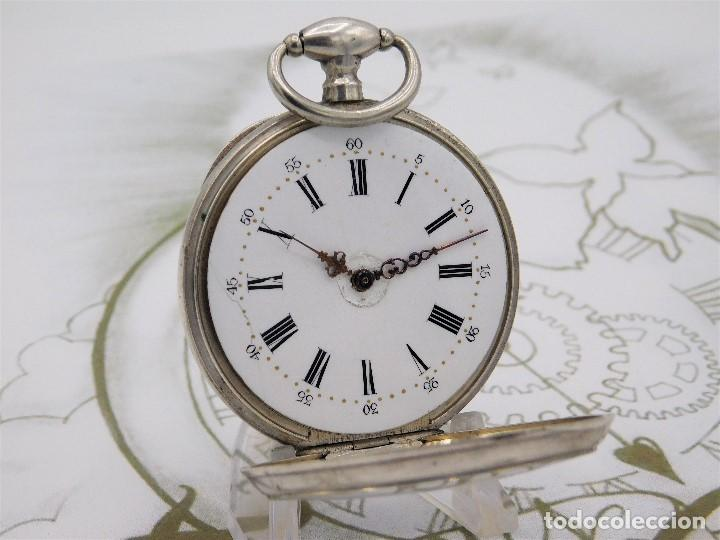 Relojes de bolsillo: RELOJ DE BOLSILLO BENOIT SUIZO-DE PLATA-CON PRECIOSO GRABADO-3 TAPAS-CIRCA 1890-FUNCIONANDO - Foto 2 - 148587174