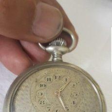 Relojes de bolsillo: RELOJ ANTIGUO DE BOLSILLO 8 DIAS CUERDA BAÑADO PLATA LABRADA CIRCA 1870 1880 BUEN ESTADO FUNCIONA. Lote 152366902