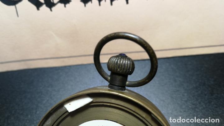 Relojes de bolsillo: Botito reloj para repara o piezas, la maguinaria funciona y se para - Foto 3 - 157734122