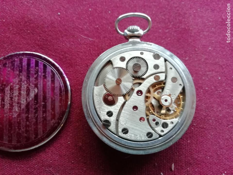 Relojes de bolsillo: Reloj ruso Molnija. En funcionamiento - Foto 3 - 159793398