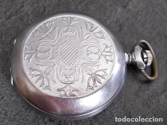 Relojes de bolsillo: ANTIGUO RELOJ DE BOLSILLO DE LA MARCA MOLNIJA CON TAPA EN RELIEVE RUSIA AÑOS 60 18 RUBIES - Foto 2 - 160241985