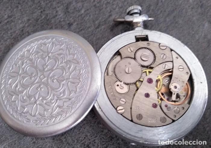 Relojes de bolsillo: ANTIGUO RELOJ DE BOLSILLO DE LA MARCA MOLNIJA CON TAPA EN RELIEVE RUSIA AÑOS 60 18 RUBIES - Foto 3 - 160241985