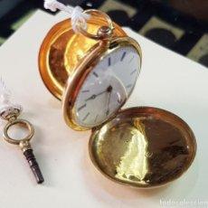 Relojes de bolsillo: RELOJ ORO COLGAR SEÑORA 18 QUILATES, TRES TAPAS, PESO BRUTO 33 GRAMOS.. Lote 160620686