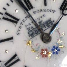 Relojes de bolsillo: RELOJ DE BOLSILLO SYSTEME ROSKOPF. 51MM DECORACIÓN FERROVIARIA. FUNCIONA.. Lote 159039290