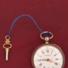 Relojes de bolsillo: ANTIGUO RELOJ DE BOLSILLO CON LLAVE ERNEZT CAVIALLE DE PLATA. Lote 121815703