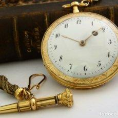 Relojes de bolsillo: TREMENDO RELOJ DE BOLSILLO CATALINO EN ORO DE 18 K CON SU LLAVE DE ORO ORIGINAL Y LEONTINA, FUNCIONA. Lote 172280207