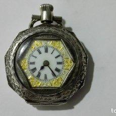 Relojes de bolsillo: PEQUEÑO RELOJ DE BOLSILLO PLATA LABRADA, FUNCIONA, MEDIDA 33 MM. Lote 172434079