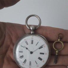 Relojes de bolsillo: RELOJ DE BOLSILLO EN PLATA CON LLAVE. FUNCIONANDO.. Lote 174063182