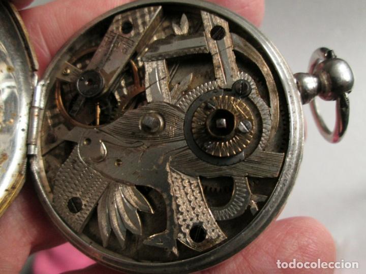 Relojes de bolsillo: PRECIOSO RELOJ DE BOLSILLO CON MAQUINARIA CINCELADA COMPLETO DE PLATA LABRADA, DATA 1870, FUNCIONA - Foto 6 - 174142914