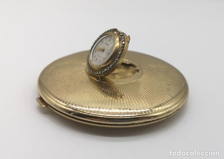 Relojes de bolsillo: Polvera antigua art decó con reloj de cuerda Ancre 15 rubies con acabado en oro de 18k y marquesitas - Foto 2 - 174532047