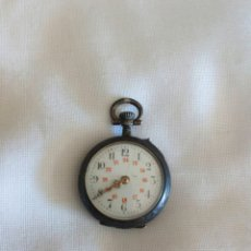 Relojes de bolsillo: ANTIGUO Y PEQUEÑO RELOJ DE BOLSILLO DE PLATA. Lote 175427902