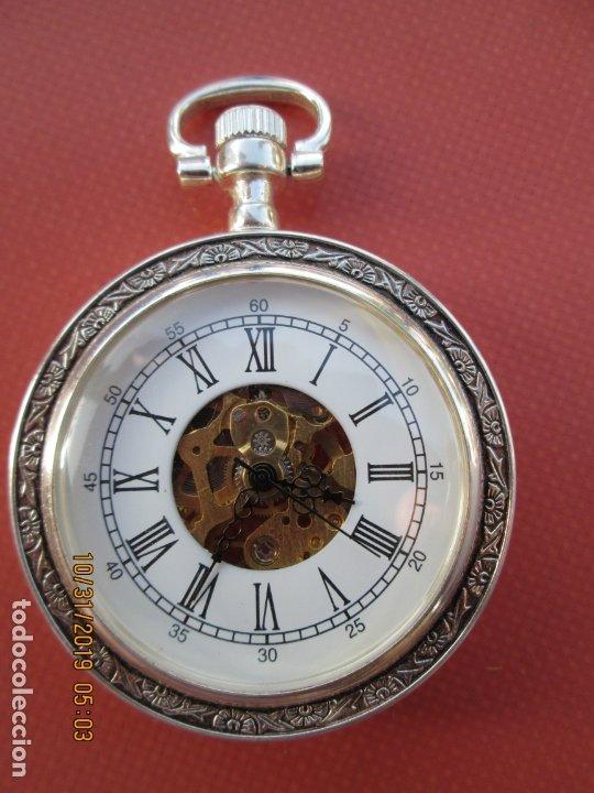RELOJ DE BOLSILLO PLATEADO - FUNCIONANDO. (Relojes - Bolsillo Carga Manual)